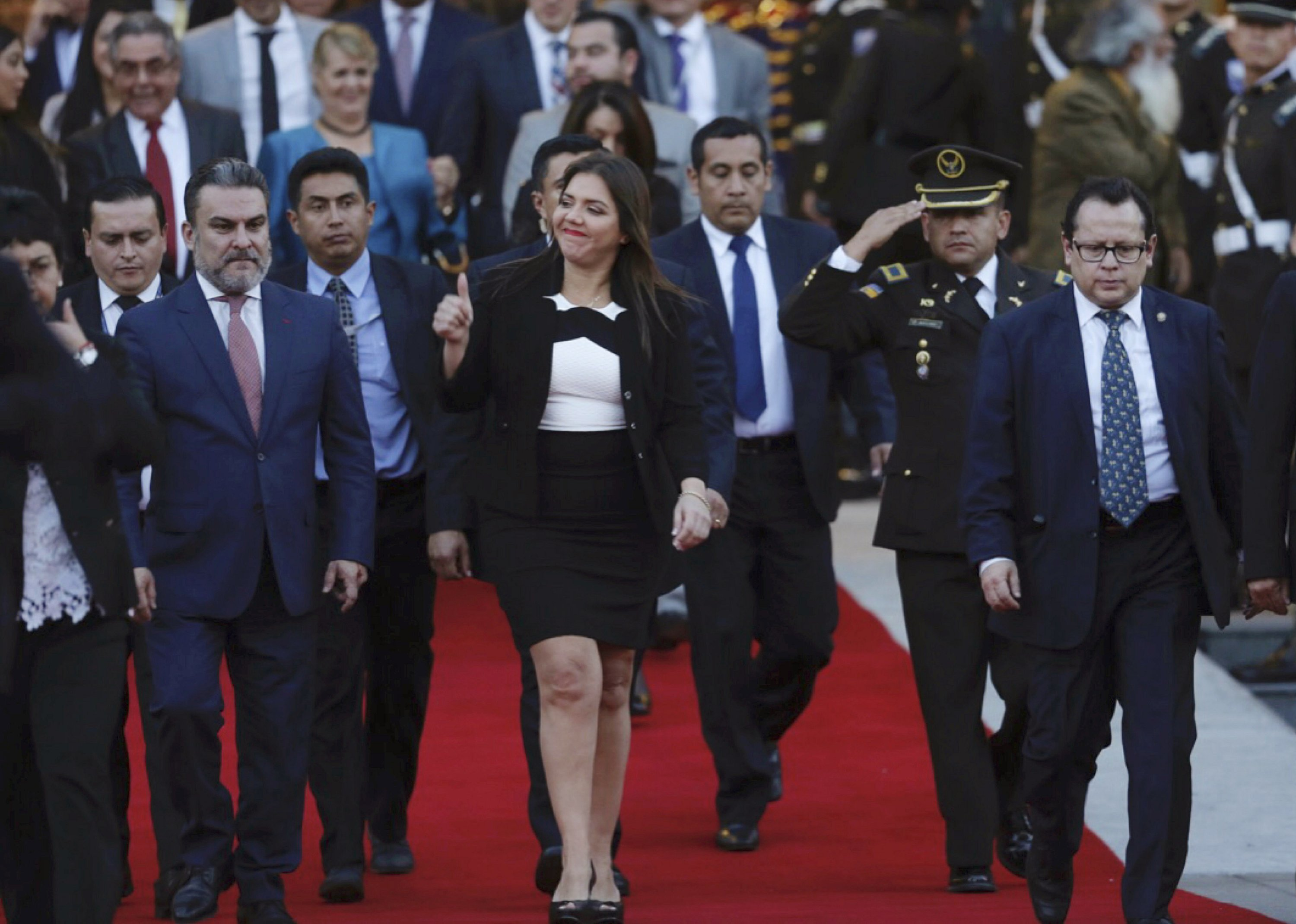 Ecuador VP removed, accused of taking kickbacks from aide