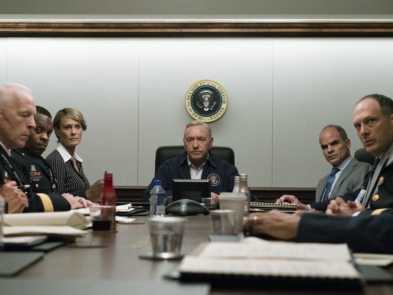 Robin Wright, Kevin Spacey, Michael Kelly, 5