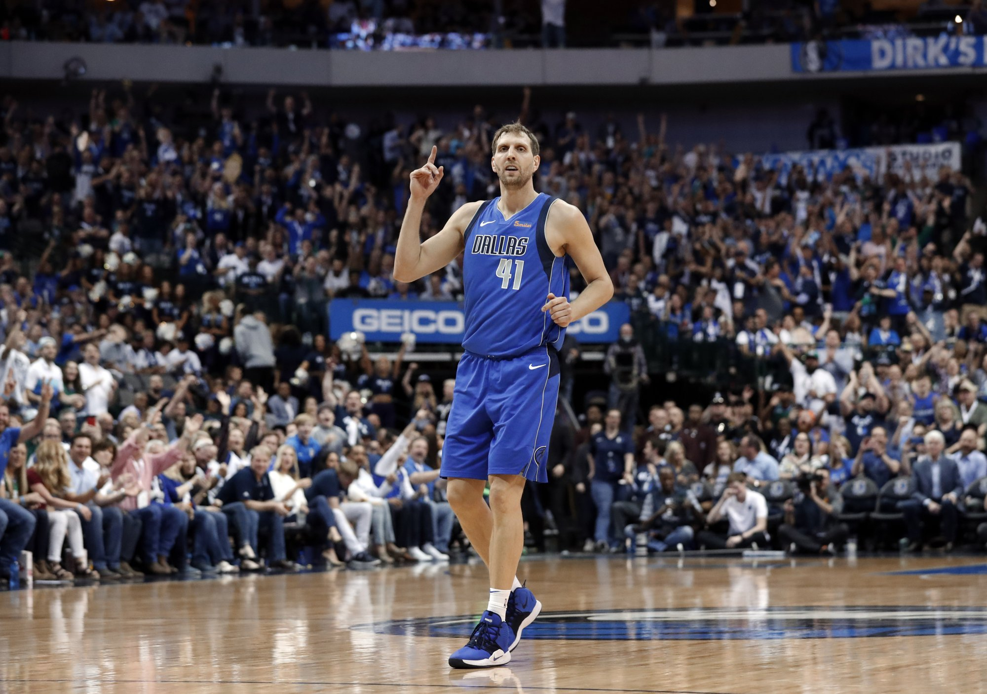 Nowitzki says goodbye at home, set to visit Spurs in finale