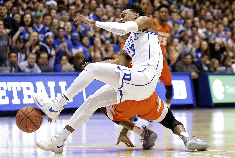 No 1 Duke Loses Pg Jones Indefinitely With Shoulder Injury