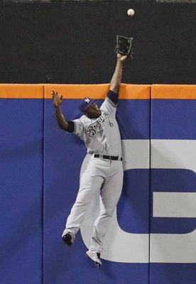 1089290ffc0 NEW YORK (AP) — Lorenzo Cain is building quite a collection of spectacular  plays in center field.