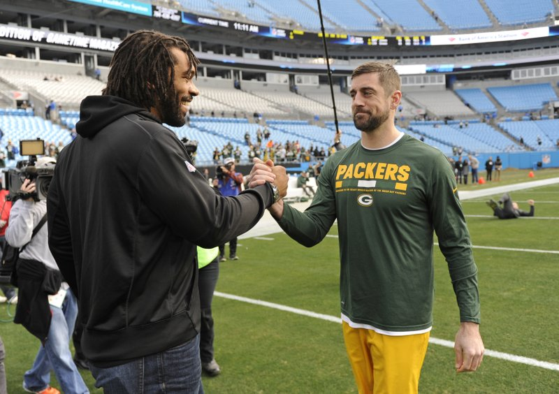 Julius Peppers, Aaron Rodgers
