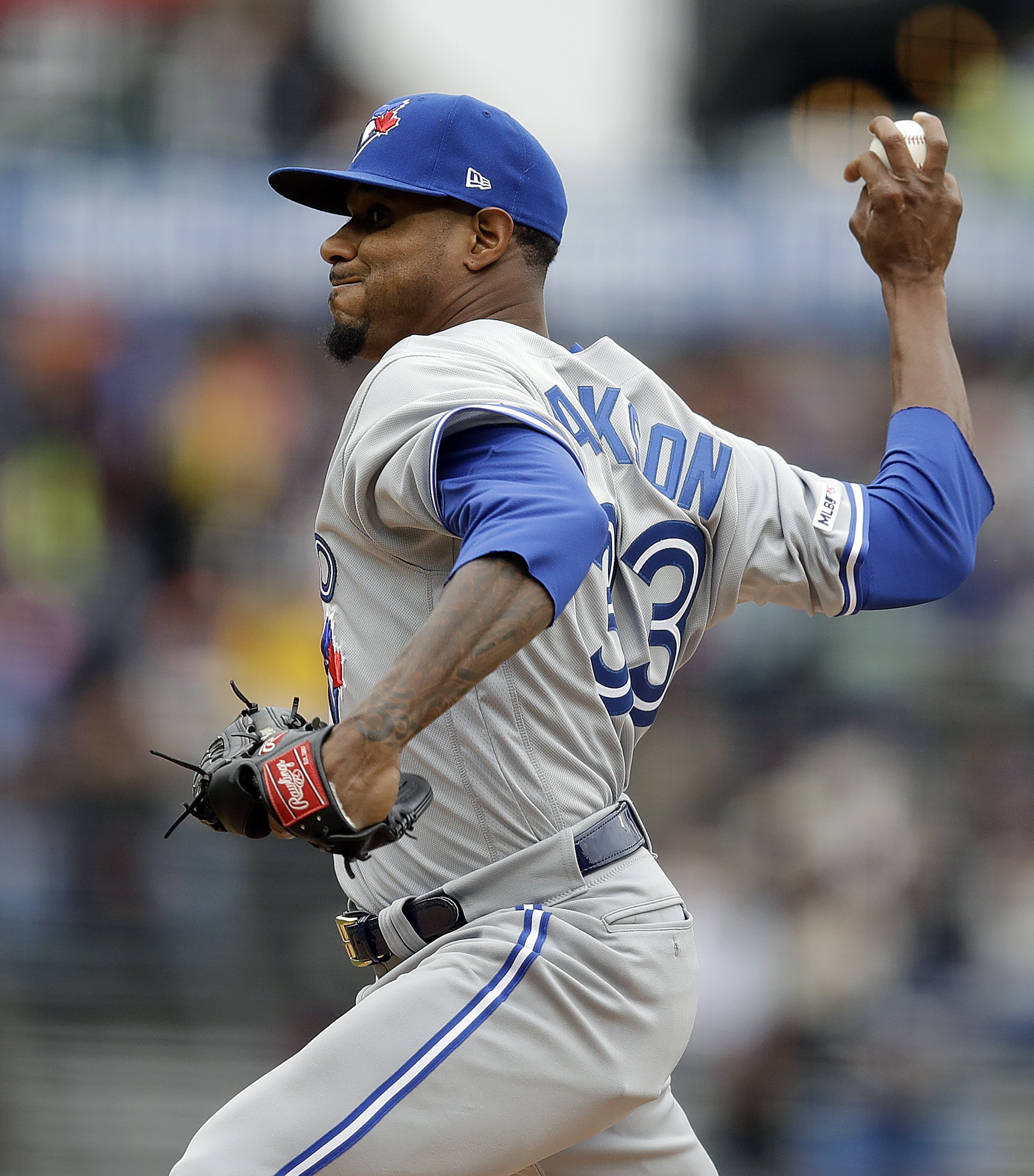 1bb86e49 Jackson suits up for record 14th team, Jays lose to Giants