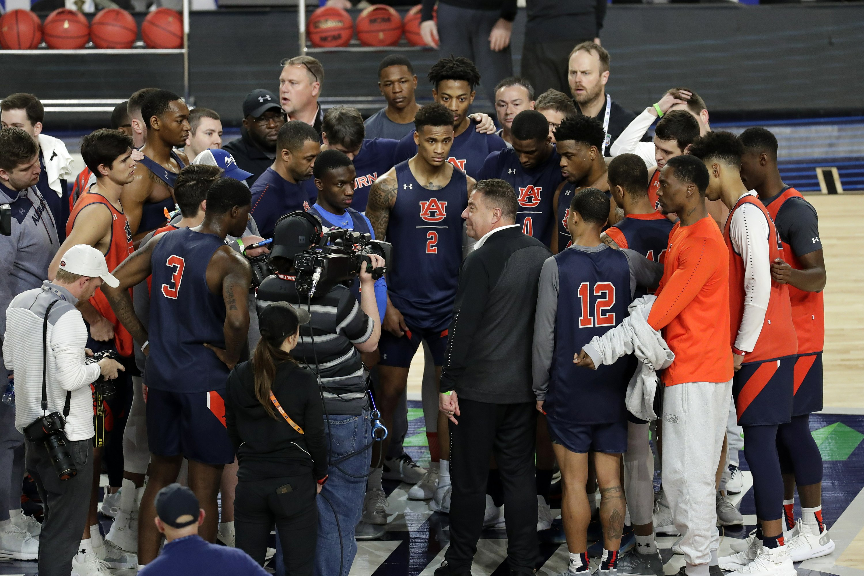 Auburn S Bruce Pearl Has Sheen Of Sweat Slime And Success
