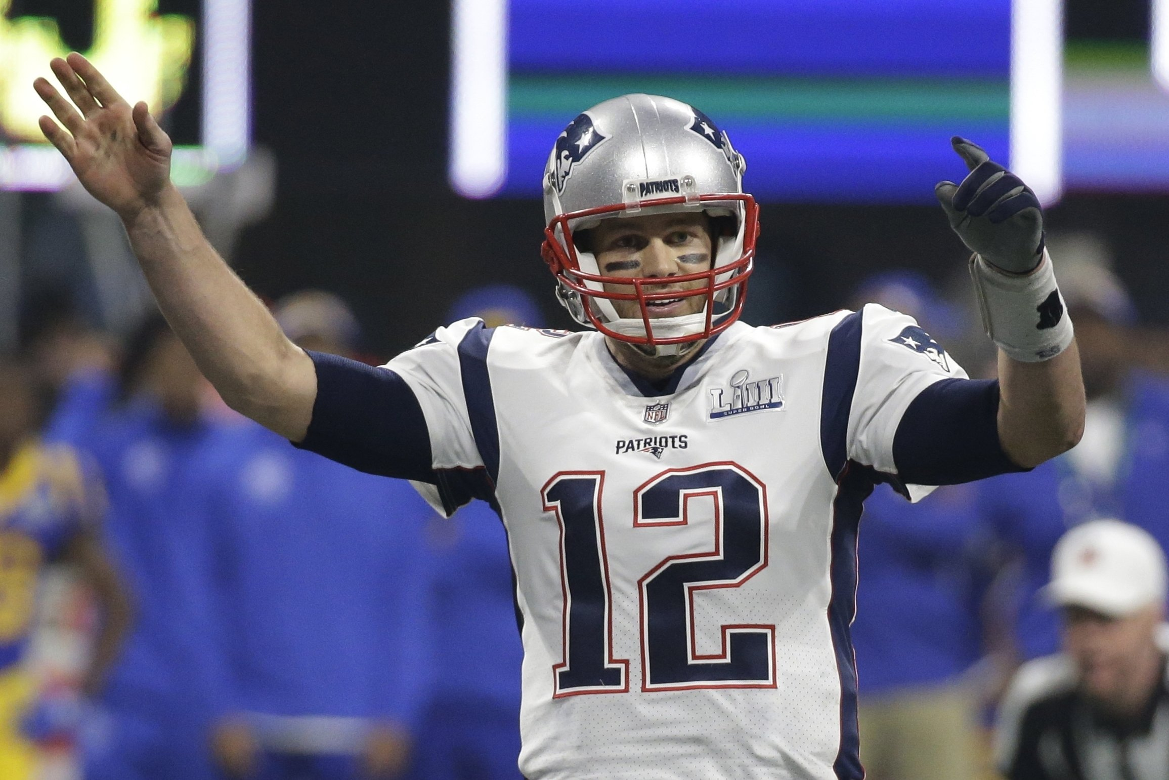 new concept a00db 8e43e The Latest: Patriots set Super Bowl records with 6th title