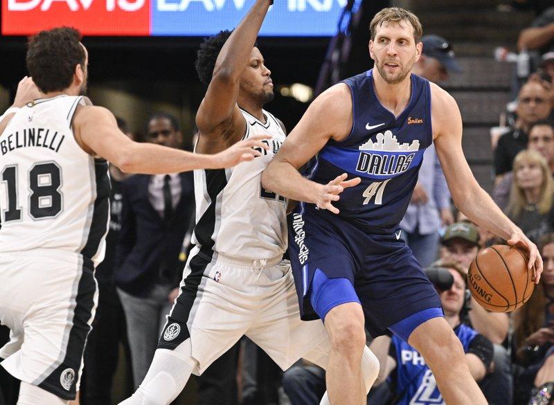 ef20957b6416 Spurs beat Mavs 105-94 in Nowitzki s final game
