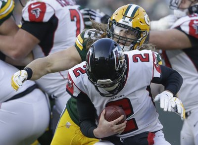 20732599b2a LOS ANGELES (AP) — Linebacker Clay Matthews agreed to a two-year contract  with the Los Angeles Rams on Tuesday, returning to his native Southern  California ...