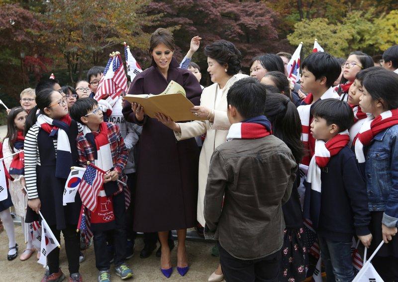 Melania Trump, Kim Jung-sook