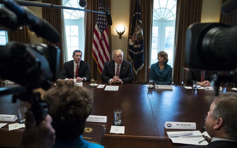 Donald Trump, John Barrasso, Lisa Murkowski,
