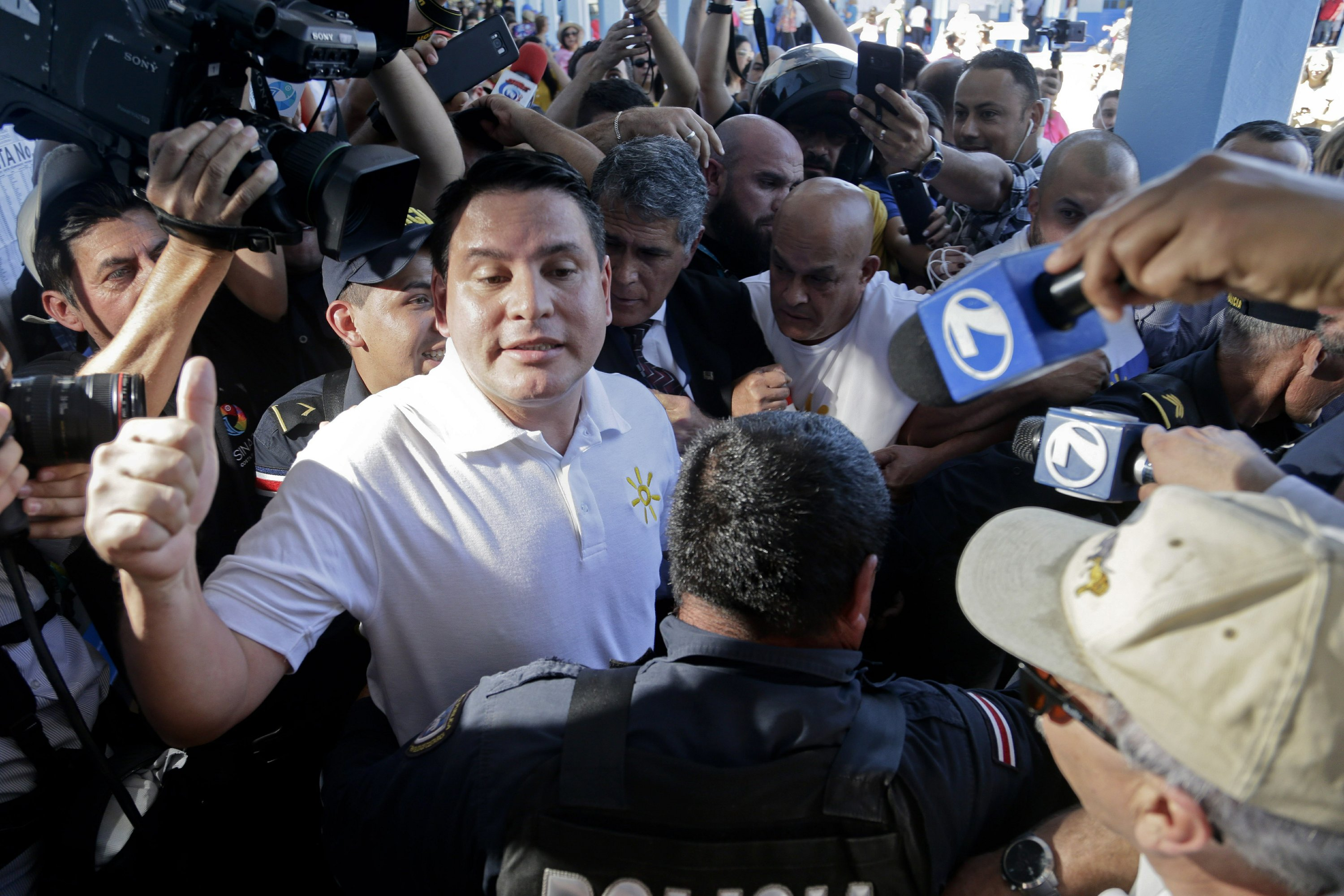 Evangelical, ruling party candidate lead in Costa Rica vote