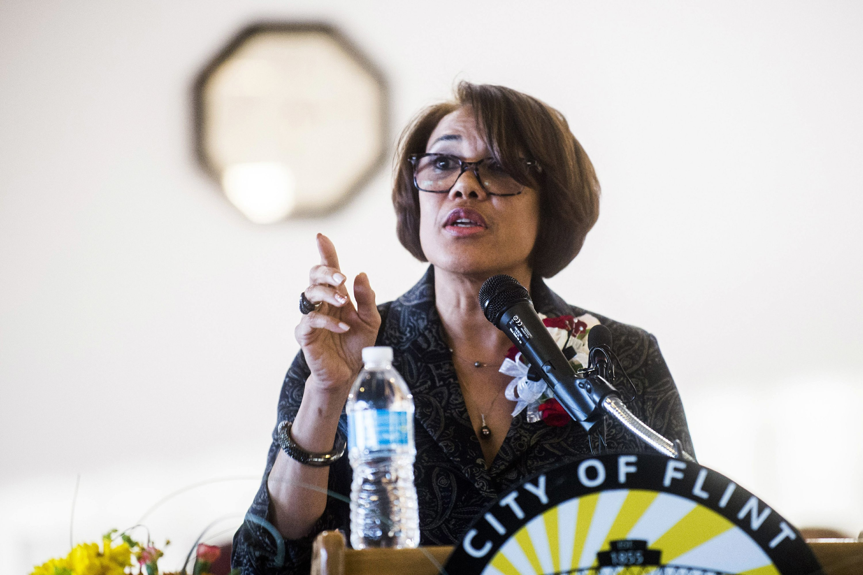 Incumbent Weaver survives recall, remains Flint's mayor