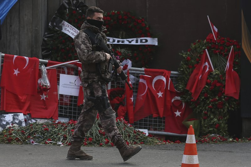 Istanbul on alert as hunt for gunman reaches 4th day