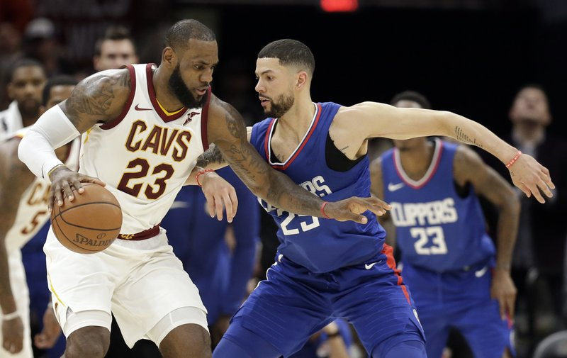3ab97d4ef07 LeBron s 39 lead Cavs to 118-113 OT win against Clippers
