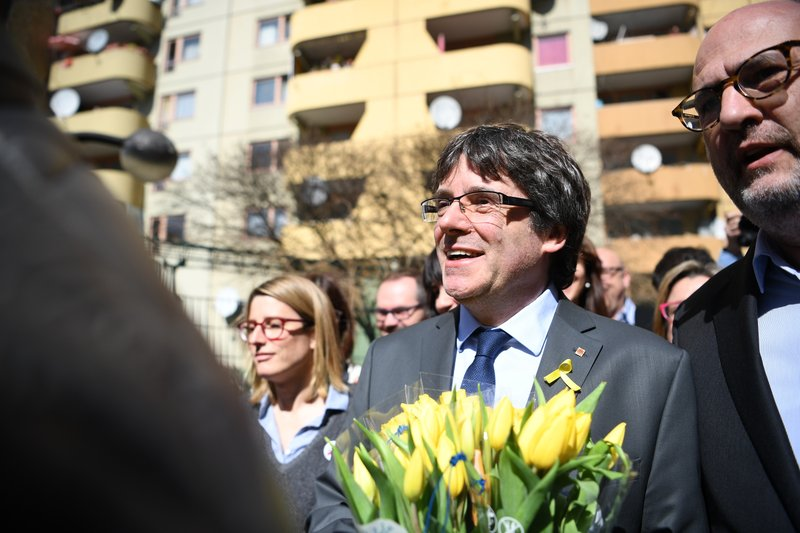 Former Catalan leader calls for dialogue with Spain