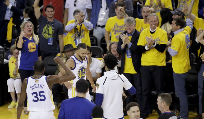 024c4a458 Warriors withstand James  51 points to win NBA Finals Game 1