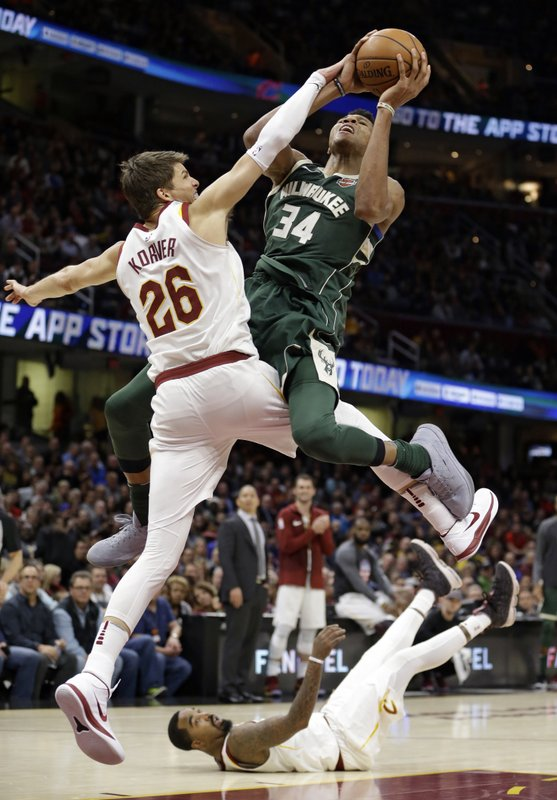 Kyle Korver, Giannis Antetokounmpo, JR Smith