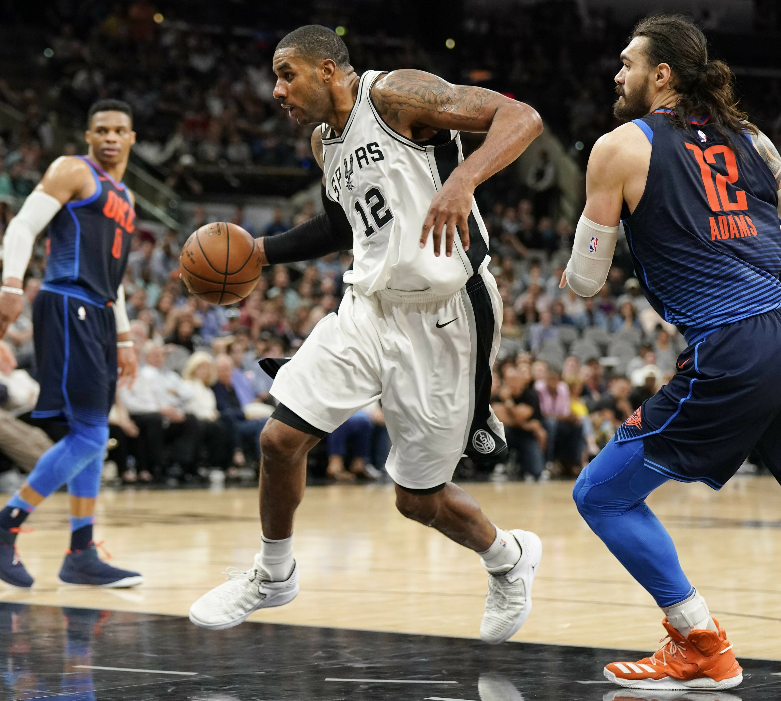 f0a46bc215c Spurs beat Thunder 103-99