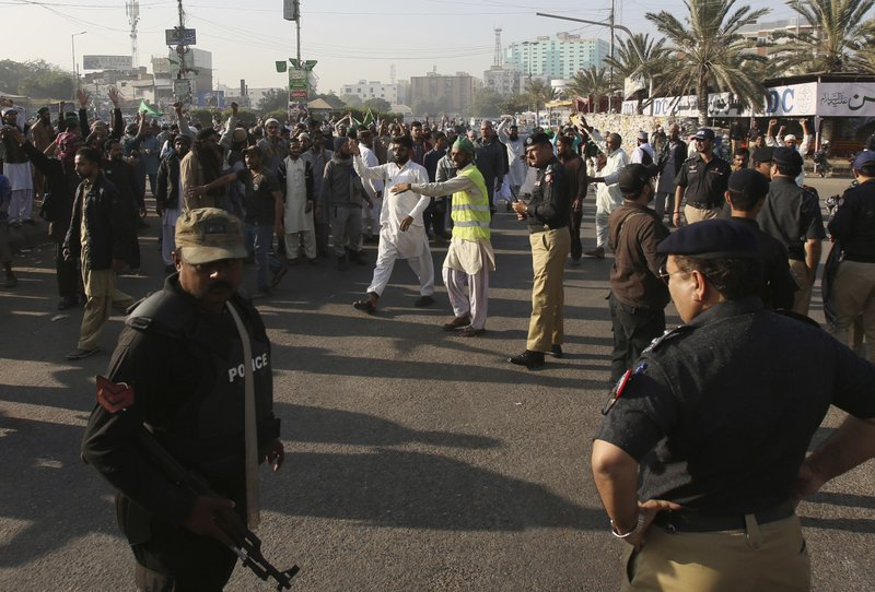 Police clash with Islamist protesters, 6 killed