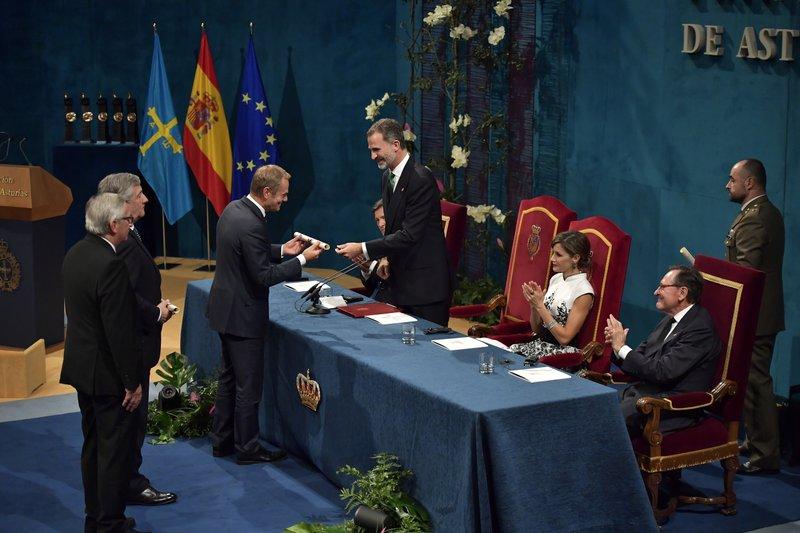 Jean Claude Juncker, Donald Tusk, Antonio Tajani, Felipe VI, Letizia