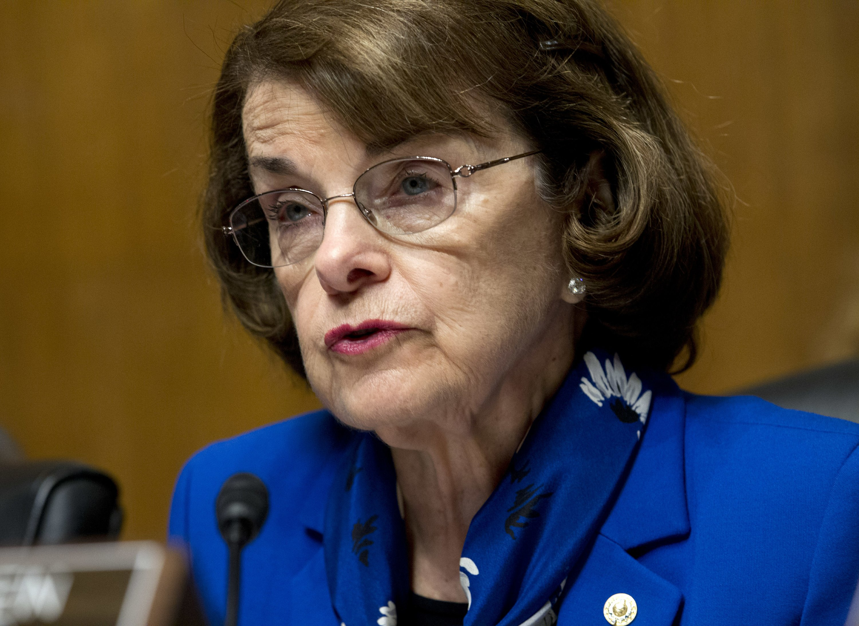 California's Feinstein drops support for death penalty