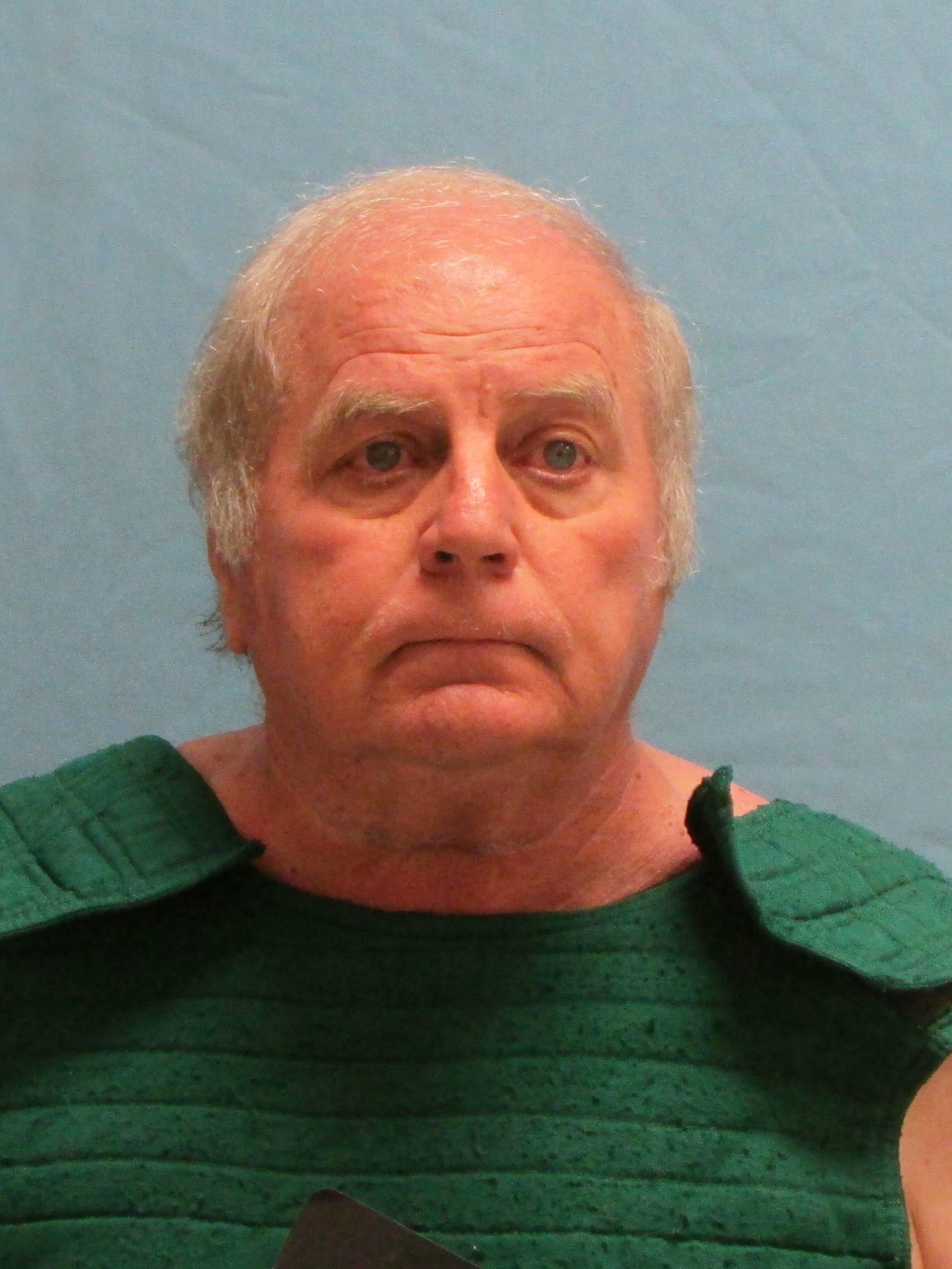 Indictment: Ex-judge exchanged nude photos for tossed cases