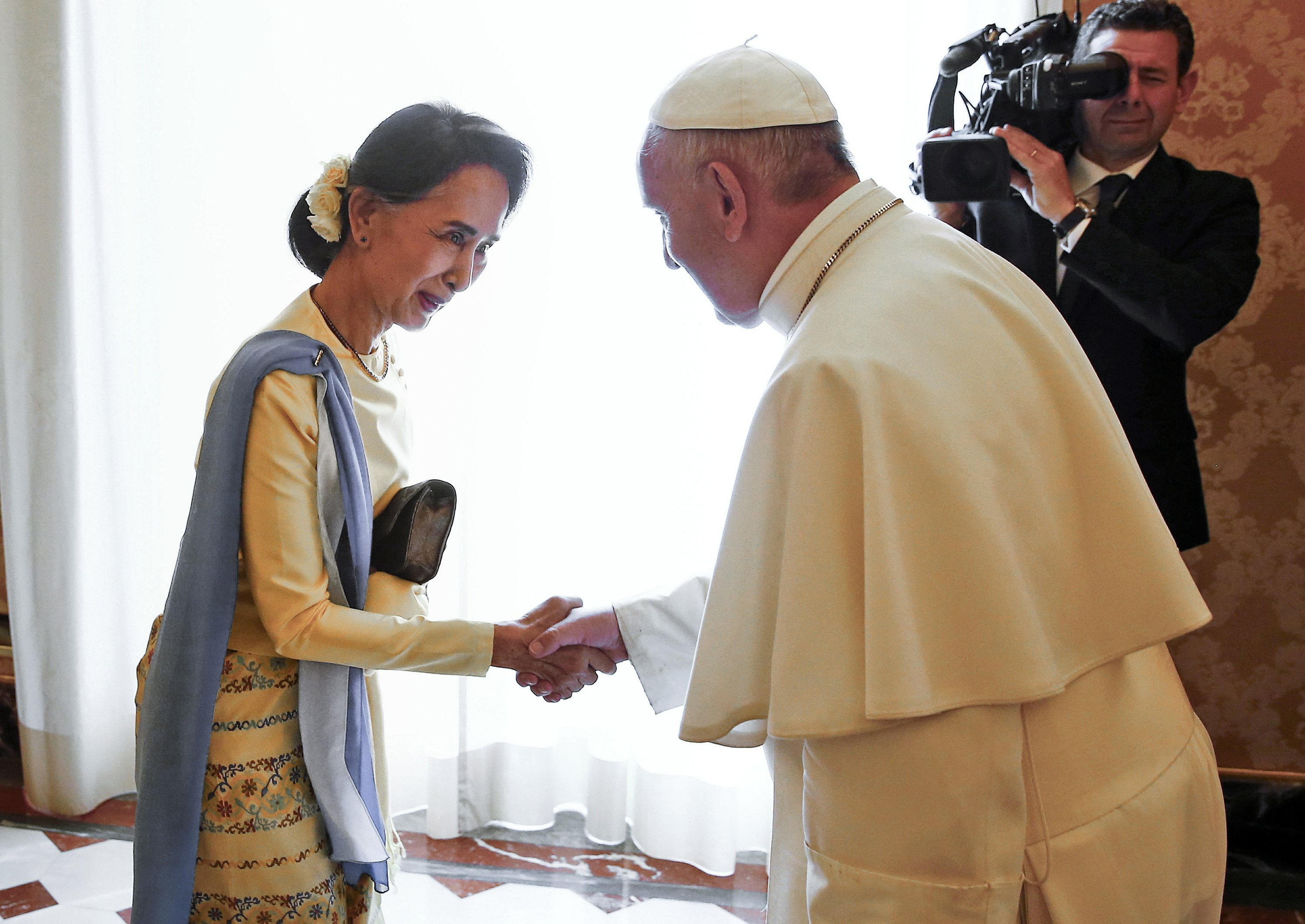 Pope's place as refugee champion tested in Myanmar