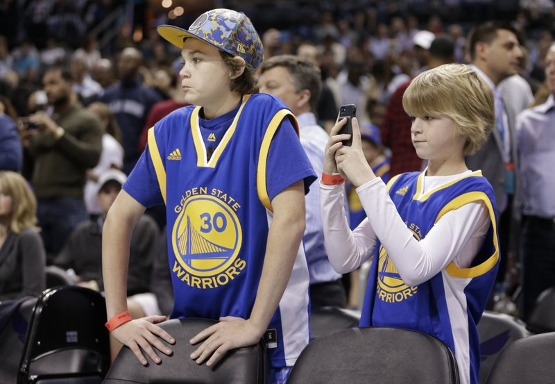 new style b5b15 dd3a5 Kerr: Curry might be more popular with kids than Jordan