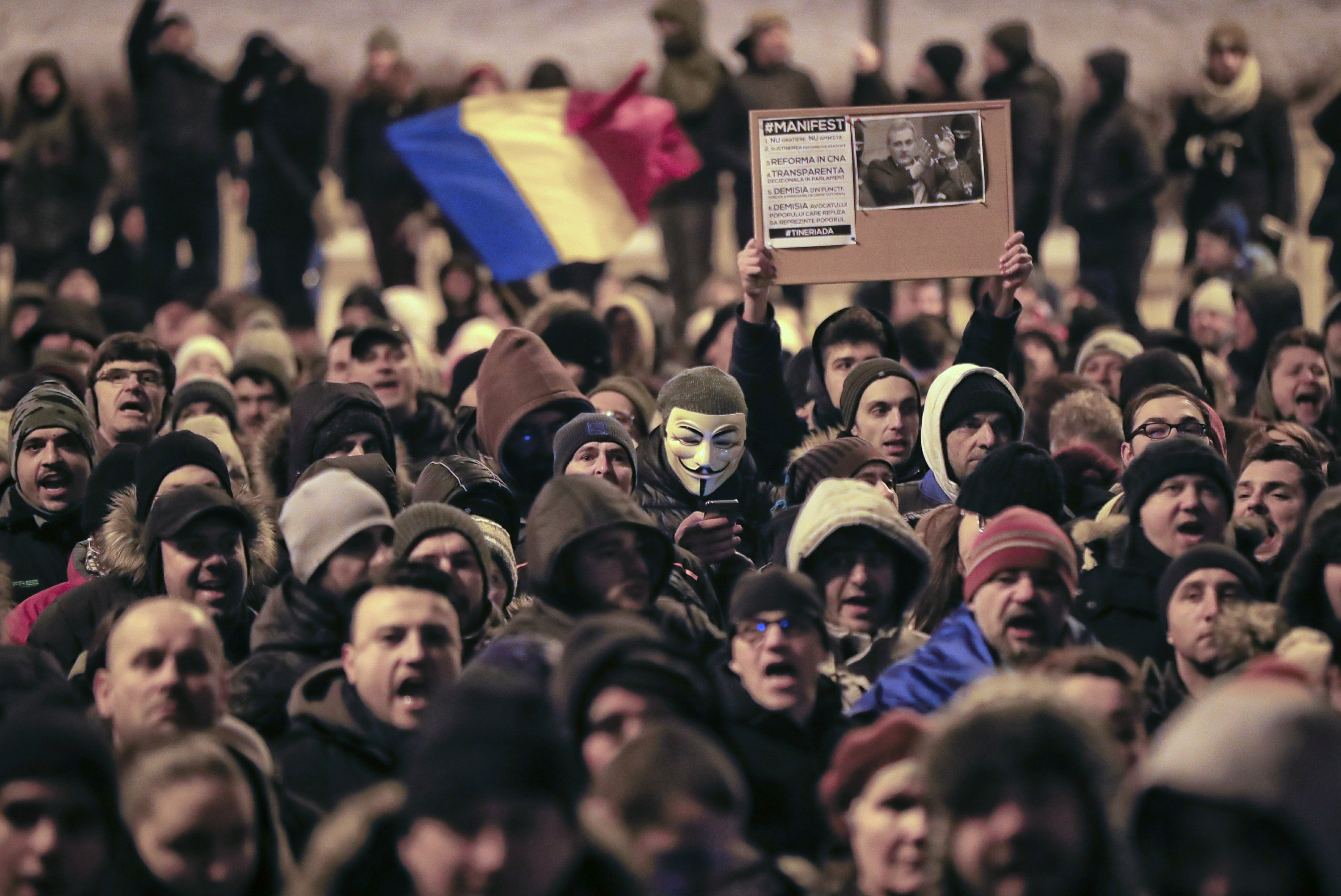 Tens of thousands protest plan to pardon prisoners in Romani