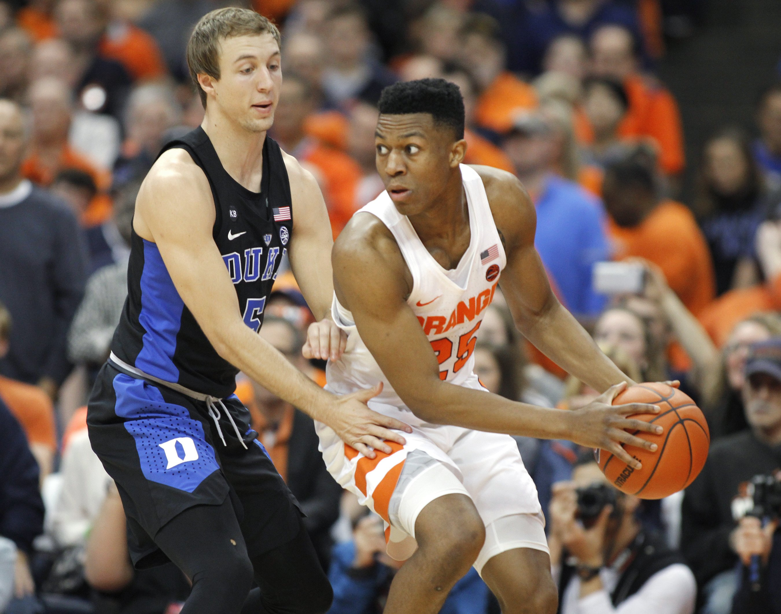 Gillon's 3 at buzzer lifts Syracuse past No. 10 Duke 78-75