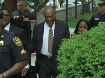 Raw: Cosby Arrives For Sex Assault Trial