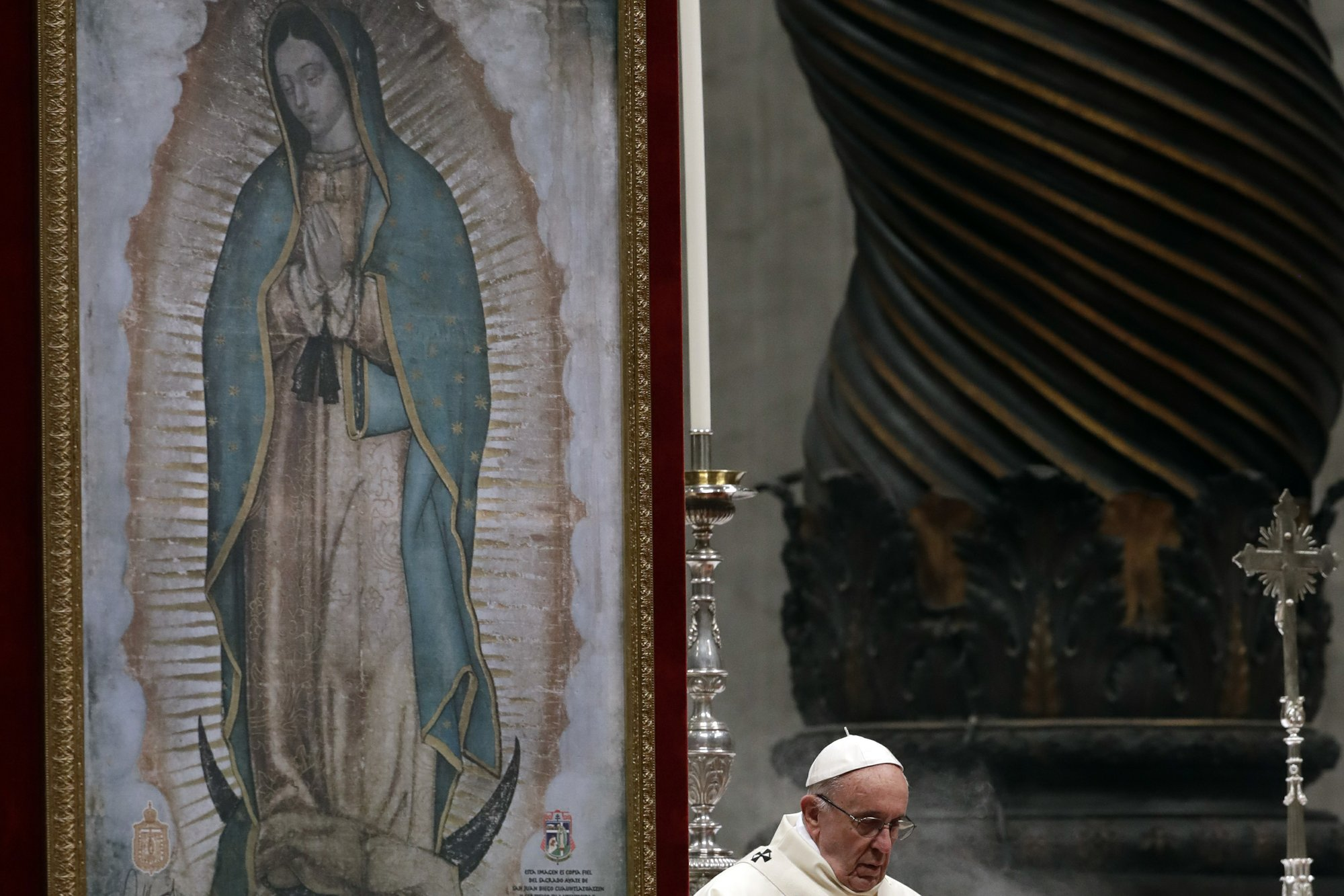 Pope urges new culture of nonviolence for world politics