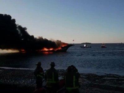 Dozens Escape Florida Casino Shuttle Boat Fire