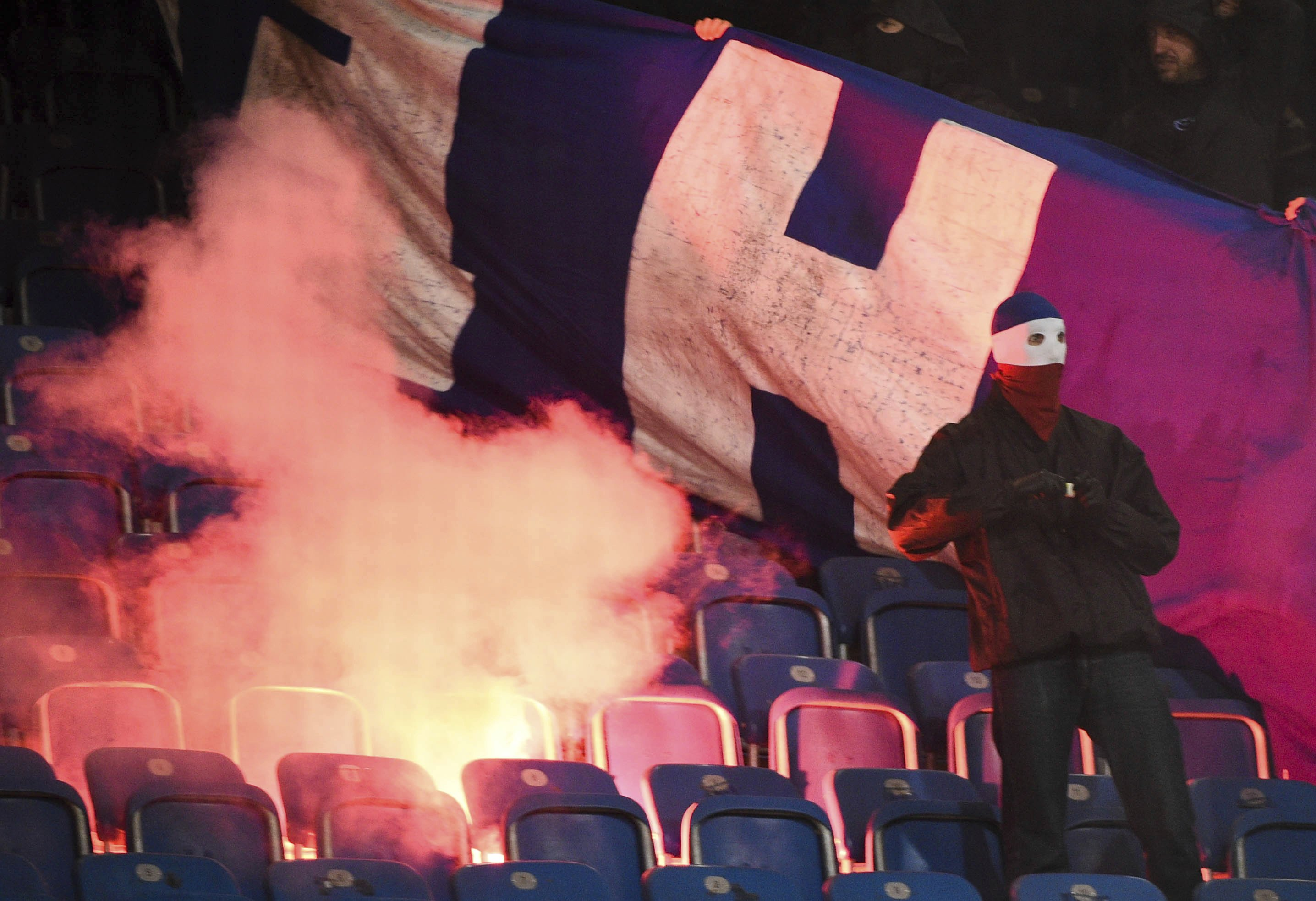 Fears of violence overshadowing Bundesliga restart
