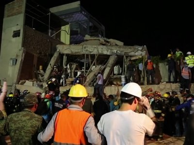 Raw: Fatal School Collapse in Mexico Earthquake