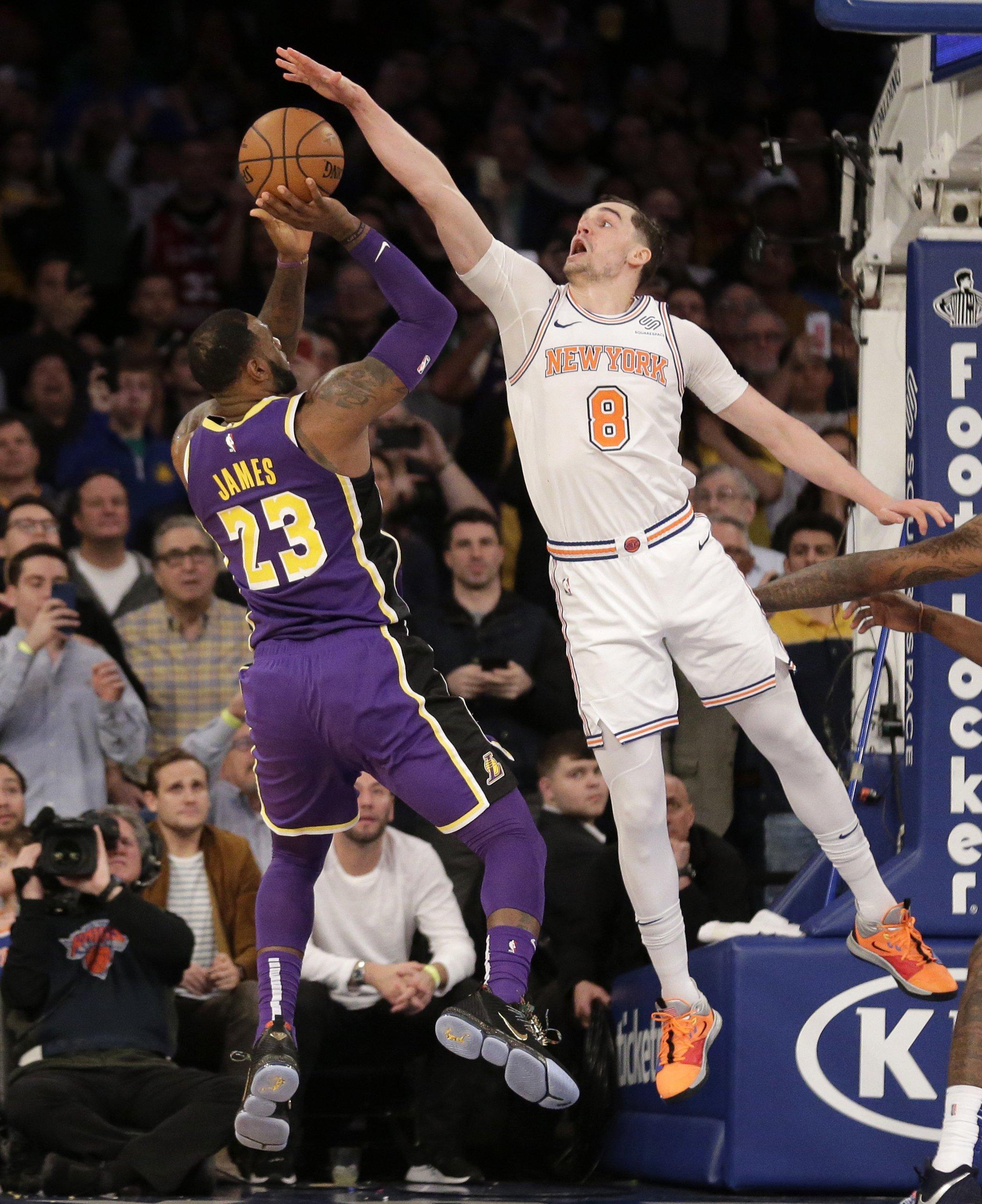 fa9c1f5ebea1 Knicks block LeBron at the finish