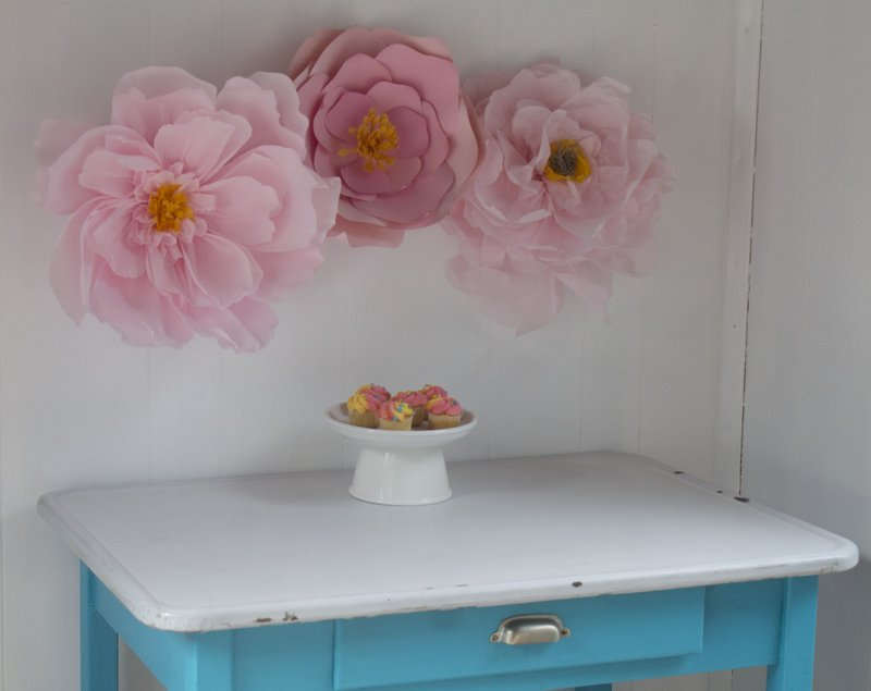 Decorate With Giant Paper Flowers For Mother S Day And More