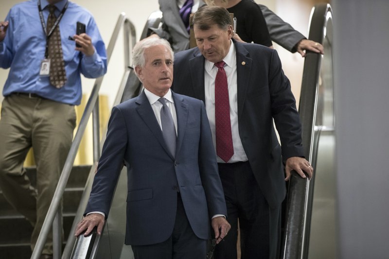Bob Corker, Mike Rounds