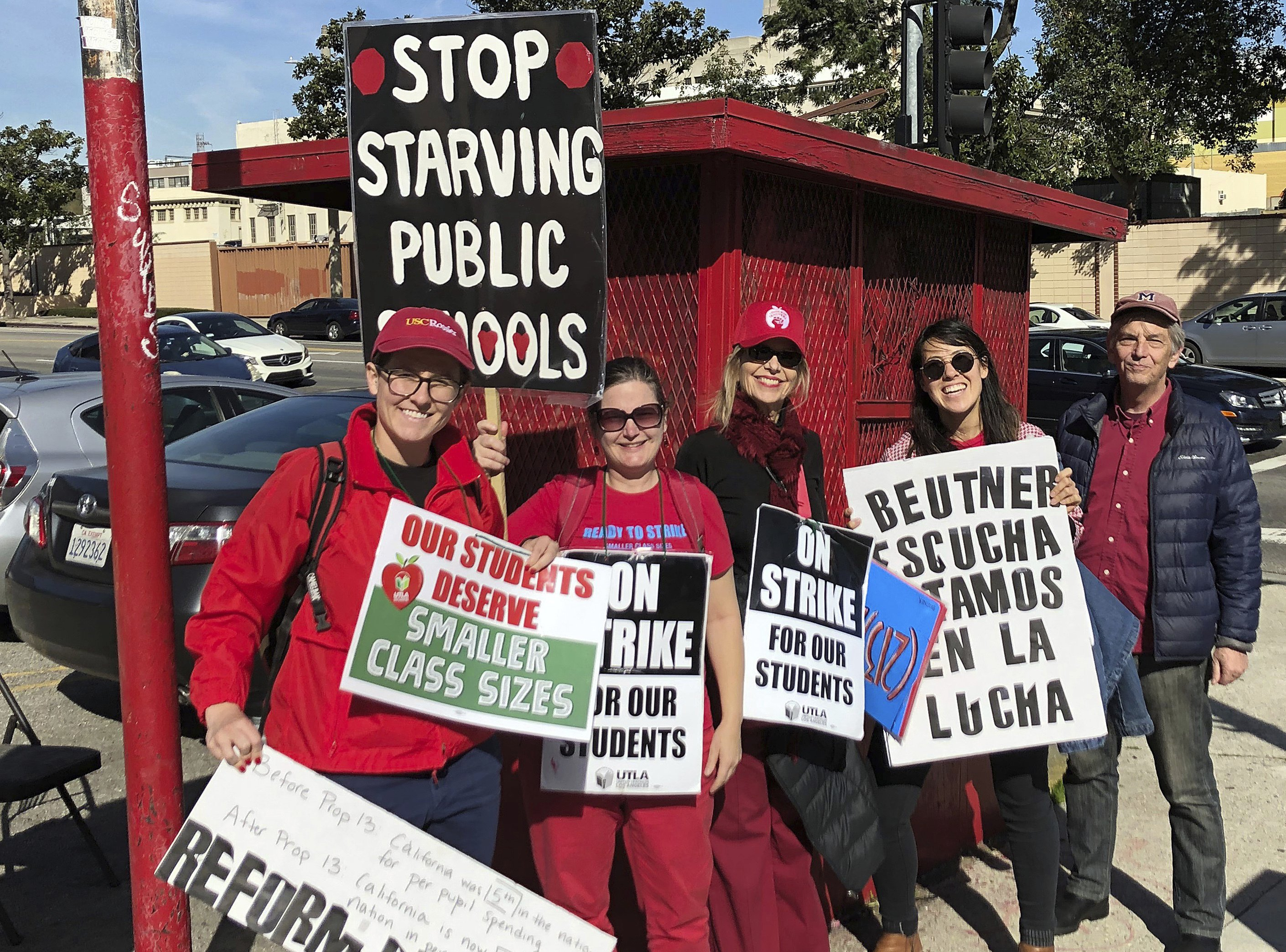 Los Angeles teachers approve contract, end strike