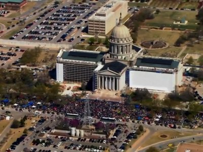 Okla. Teacher Walkout Forces 4th Day of Closings