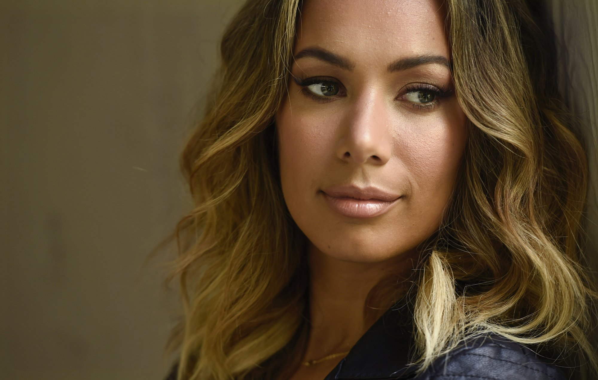 Leona Lewis puts aside pop world to get her nails in 'Cats'