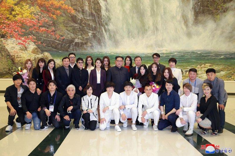 Kim Jong Un, Ri Sol Ju, Do Jong-whan