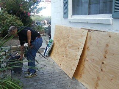 Virginia residents prepare for Hurricane Florence