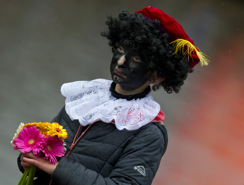 Dutch convict 34 for blocking anti-racism demonstrators