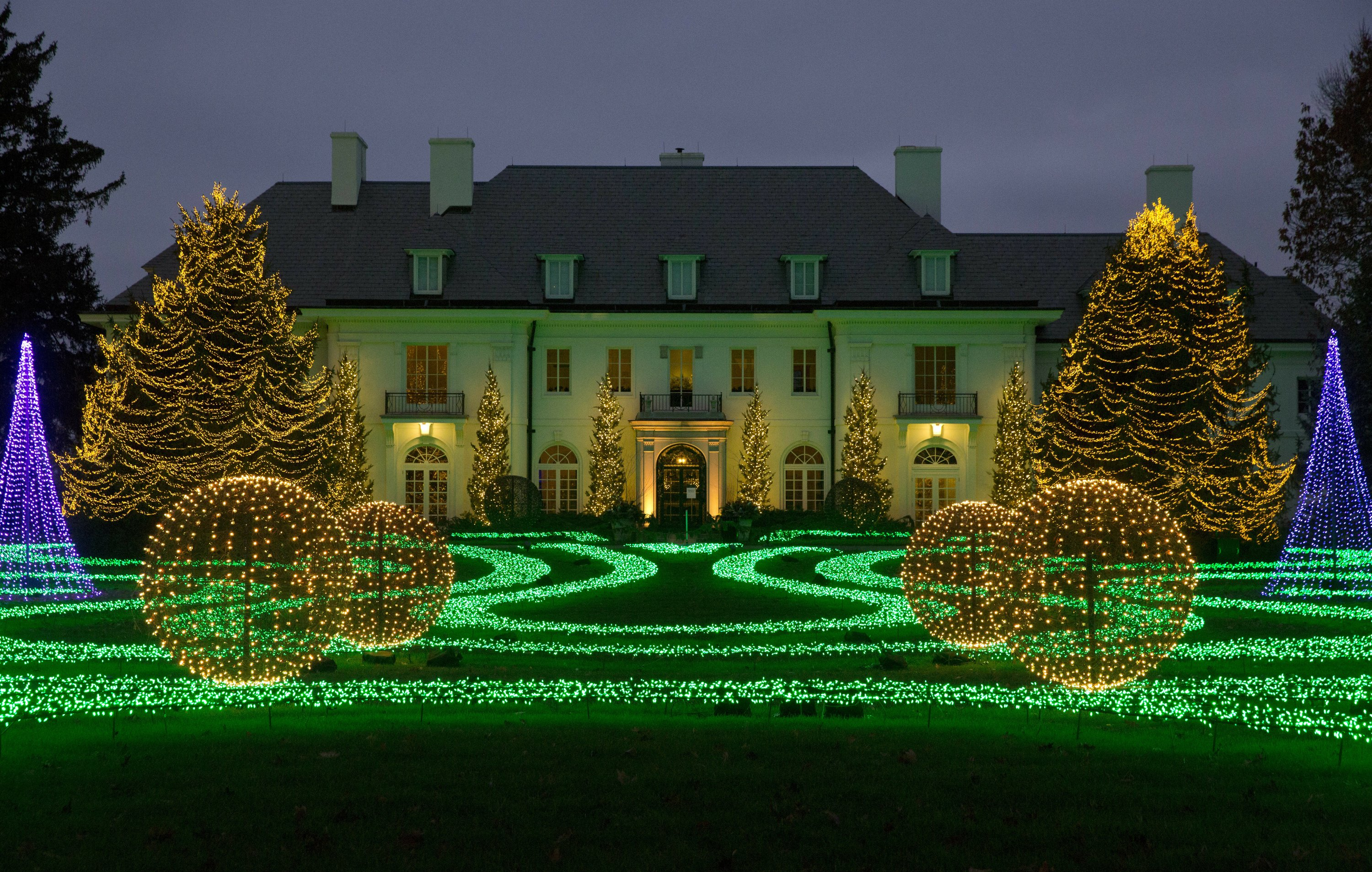 Christmas In Indianapolis.Trees Lights Holiday Magic Christmas Events And Displays