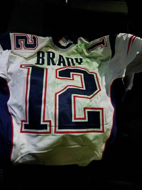 Números de serie ayudarían a autenticar jersey de Brady