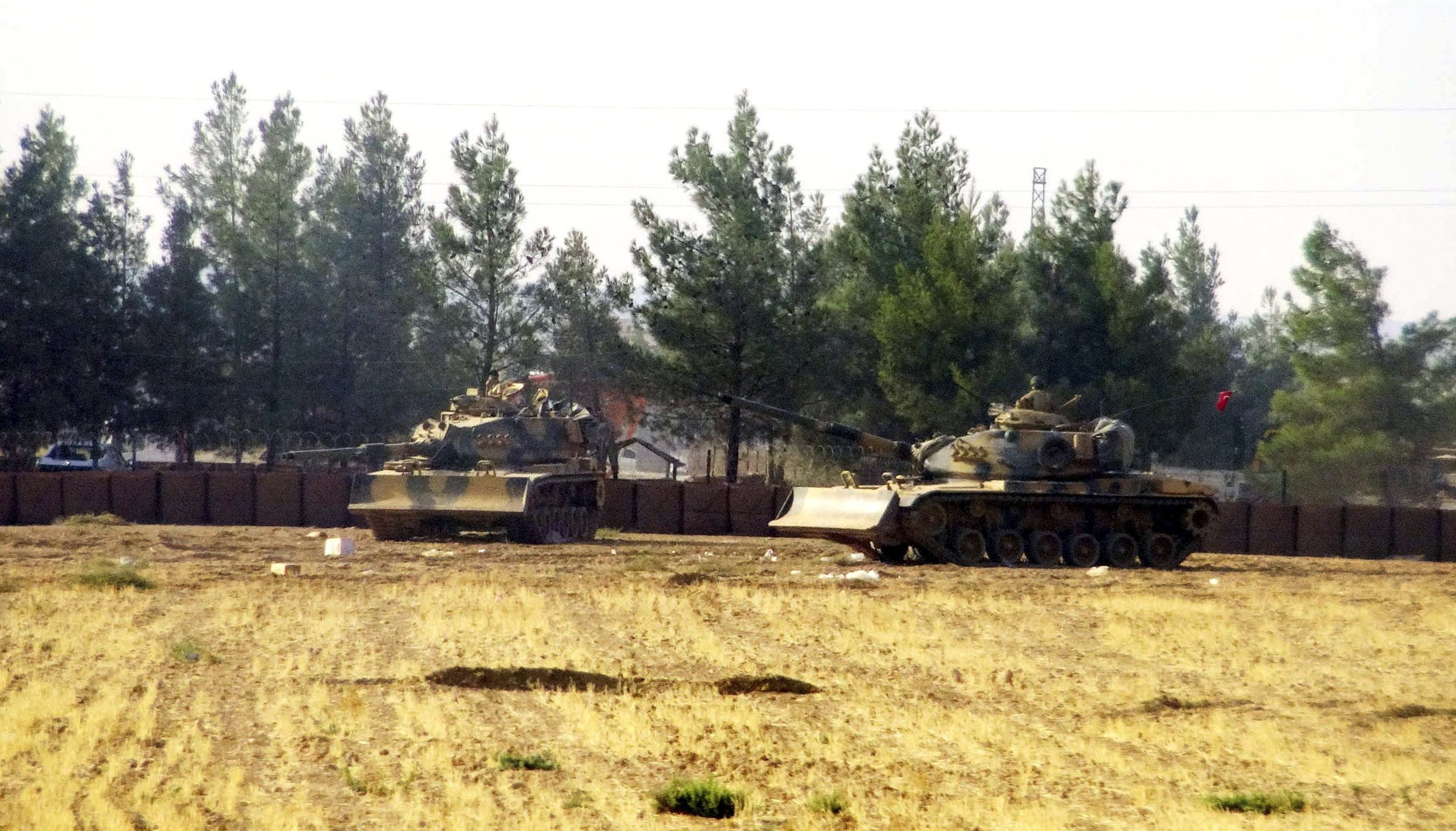 Volatile mix in Syria war puts new strain on US strategy