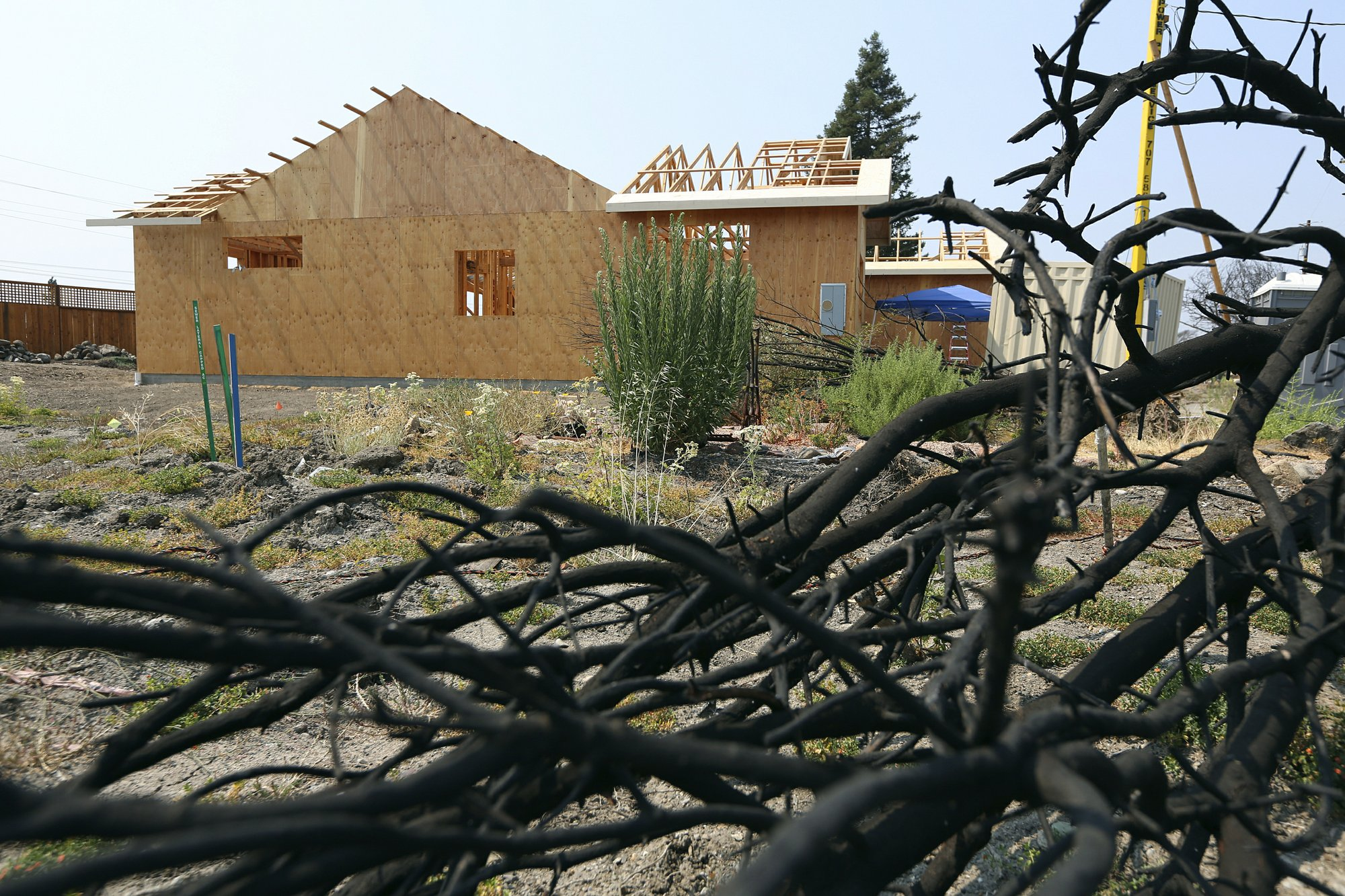 California may boost rules for homes at high wildfire risk