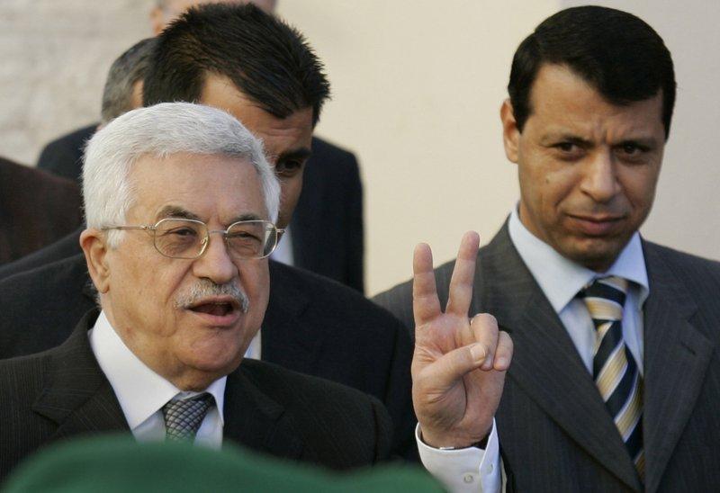 Mahmoud Abbas, Mohammed Dahlan