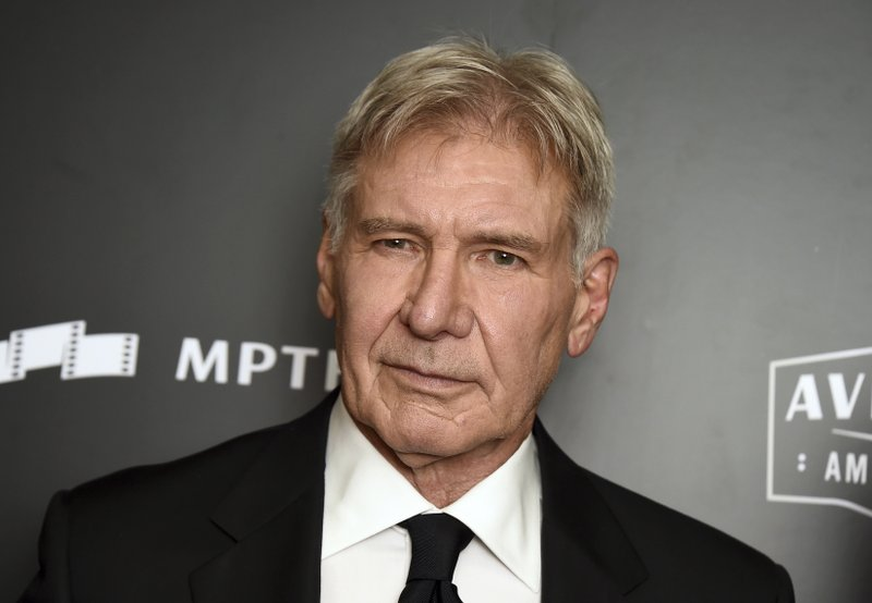 Harrison Ford, Calista Flockhart and son make pizza stop