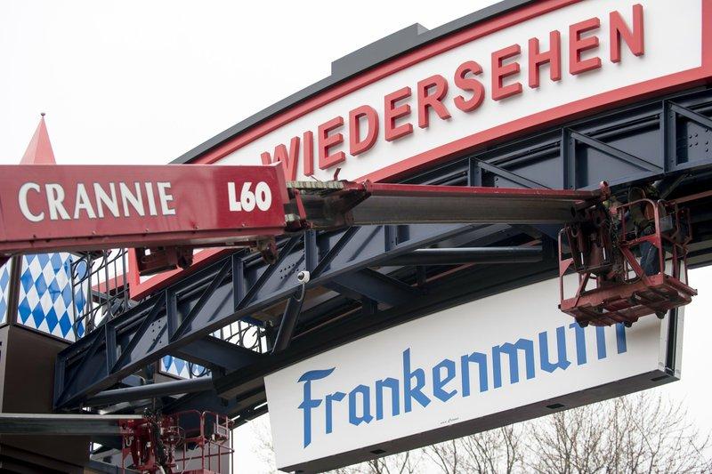New $1 million archway declares 'Willkommen' to Frankenmuth